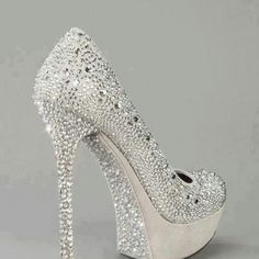 89970267e5c66c I always said I will be in comfy shoes for my wedding like bedazzled flip  flops