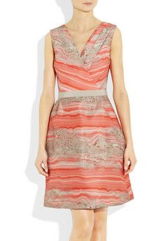 omg this dress has a granit pattern