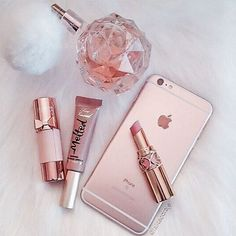 My favourite kind of pink #pink #arianagrandeperfume #toofaced #apple #ysl