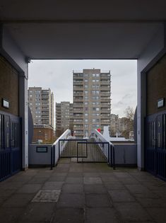 'Beautiful Brutalism' is an ongoing personal photography project capturing brutalist architecture from around the UK. Brutalism is a very divisive style of a. Urban Photography, Street Photography, Landscape Photography, Council House, Building Photography, Tower Block, Social Housing, London House, Urban Industrial