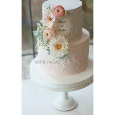 Pembeli Nişan Pastası #butikpasta #butikkurabiye #instacake #instadaily #wedding #nisanpastası #cakestagram #porcelanafria #rose #sekerhamuru #tortas #kuchen #romantic #picoftheday #sugarflowers #sugarart #caketopper #istanbulpasta #instalike #creativecakes #sugarcraft #cakeartist #cakeart #weddingcake #organizasyon #istanbulwedding