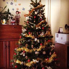 Z cyklu Ukaz vianocny stromcek . Christmas Tree, Holiday Decor, Photos, Home Decor, Xmas, Teal Christmas Tree, Pictures, Decoration Home, Room Decor