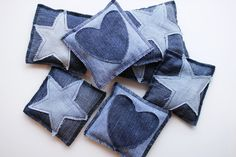 Kirpparikeiju: Luukku 10: hernepusseja vanhoista farkuista Diy Crafts For School, Denim Crafts, Sewing Appliques, Diy Sewing Projects, Recycled Crafts, Stuffed Toys Patterns, Couture, Fabric Crafts, Hand Sewing