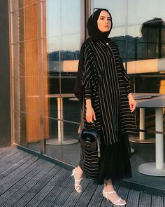 Image may contain: one or more people and people standing Modern Hijab Fashion, Muslim Fashion, Modest Fashion, Fashion Outfits, Hijabi Gowns, Hijab Dress, Hijab Fashionista, Indian Designer Suits, Casual Hijab Outfit