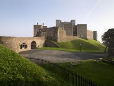 10 Dramatic Coastal Sites to Visit this Summer Castle Tattoo, Dover Castle, Coastal, England, Mansions, Architecture, House Styles, Summer, Castles