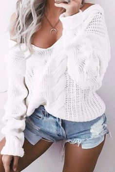 Knitted Pleated White Sweater