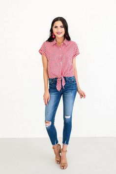 4th of July outfit ideas for women in their 20's and 30's - fun, fresh and youthful! #4thofjuly #outfitideas #redwhiteandblue Summer Outfits For Teens, 4th Of July Outfits, Casual Summer Outfits, Fourth Of July, Chic Outfits, Summer Clothes, Holiday Fashion, Holiday Outfits, New Wardrobe