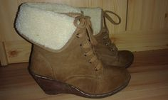 GlitterPinky Blogja: Csizmák Beautiful Shoes, Wedges, Boots, Fashion, Shearling Boots, Moda, Cute Shoes, Fashion Styles, Shoe Boot
