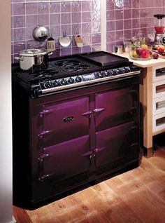 Purple Stove Purple Kitchen No way my S. Purple Home, Deep Purple, Purple Art, Kitchen Dining, Kitchen Decor, Sweet Home, Purple Kitchen, Gothic House, All Things Purple