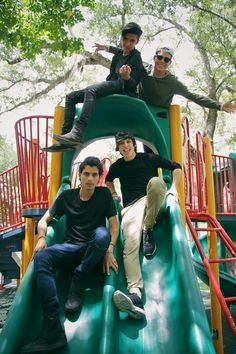 Love them and Richard although he is not in the pic! Memes Cnco, Best Memes, Brian Christopher, Cnco Richard, Sebastian Yatra, People's Friend, Memes In Real Life, Disney Music, Mixed Girls
