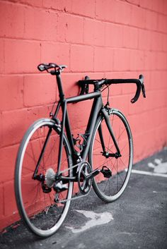 Cannondale CAAD10 Black Inc - Pedal Room