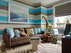 Kinderzimmer Wand Streifen Plüsche Spielzeuge exotisch Teppich