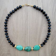 Hala Necklace / Collier elegant noir doré et turquoise / gypsy necklace statement necklace / Tribal chic necklace / bohemian necklace