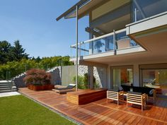 Terrasse vom ART 5 Projektbeispiel 1 von HUF Haus • Mit Musterhaus.net Traumhaus finden und Inspirationen für traumhafte Terrassen sammeln!