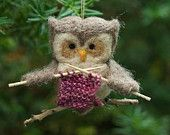 Needle felted owl ornament, knitting a woolly scarf for winter! What an adorable owl :D