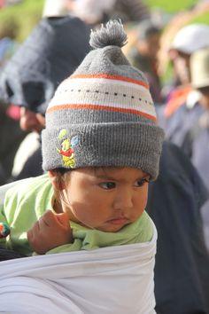 Bimbo al mercato di Otavalo