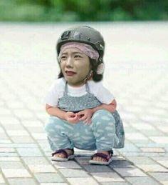 Blackpink Memes, Funny Kpop Memes, Kid Memes, Cute Memes, Kpop Girl Groups, Korean Girl Groups, Kpop Girls, Meme Faces, Funny Faces