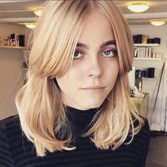Want to forgo chops for a while? Opt for a cut on the shorter end of the mid-length spectrum, and it will grow out perfectly. #refinery29 http://www.refinery29.com/2016/11/128014/international-hairstyles-trends-2016#slide-27