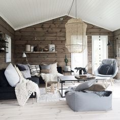 18 A Scandinavian Space Is Made Warmer And Cozier With Wooden Walls In A Natural Finish Source by cdeigner The post 24 Great Living Room Decor Ideas With Wood Walls appeared first on Estudos de Madeira. Living Room Modern, Home Living Room, Interior Design Living Room, Living Room Decor, Cozy Living, Cabin Interiors, White Rooms, Log Homes, Cabana