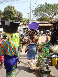 Gambian women in the Serrakunda market. Photo: Steve Wheeler