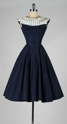 vintage 1950s dress . navy blue . polka dot