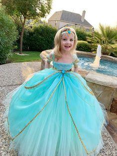 Jasmine Costume, Jasmine Dress, Princess Tutu Dresses, Princess Costumes, Arabian Nights Costume, Olaf Halloween Costume, Cute Dresses, Girls Dresses, Party Dresses