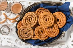 No festival is complete without the delicious crunchy deep fried chakkli's or murukku's. Here's Murukku made healthy using Vivatta whole wheat flour instead the traditional rice flour. This is a crunchy crispy and adding butter to it makes it melt in mouth tea time snack. Vivatta  -->http://ift.tt/23opz0Y #Vegetarian #Recipes