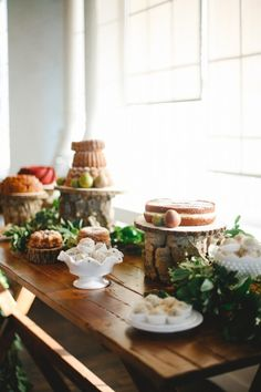 Rustic Naked Cake Bundt Table by Cakewalk Bake Shop // photo by Apryl Ann Photography