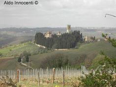 Image from http://www.walkingitaly.com/motori/347/badia_a_passignano_panorama_7.jpg.