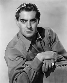 Tyrone Power Tyrone Edmund Power III (May 1914 – November was an American film, stage and radio actor. From the to the Power appeared in dozens of films, often in. Old Hollywood Movies, Hollywood Men, Hooray For Hollywood, Golden Age Of Hollywood, Vintage Hollywood, Hollywood Stars, Classic Hollywood, Tyrone Power, Gina Lollobrigida