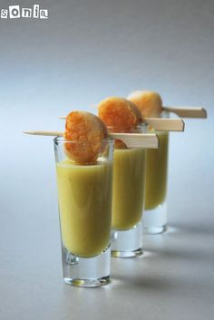 Amuse-Pear ginger shooter with seared scallop