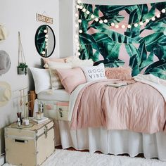 Pink and Grey and White Dorm Room Inspiration. Beach vibes Pink and Grey and White Dorm Room Inspiration. Dorm Room Designs, Girl Bedroom Designs, Room Ideas Bedroom, Teen Bed Room Ideas, Cute Bedroom Decor, Whimsical Bedroom, Bedroom Themes, Bedroom Inspo, Bedroom Colors