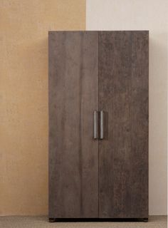 www.livinghome.nl info@livinghome.nl €715,- #kast #kledingkast #linnenkast #garderobekast #bruin #hout #interieur