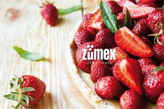 Did you know that strawberry is the first fruit that ripens in spring? Include it in your healthy diet combined with a fresh juice. Because a handful of strawberries has only 25 calories! :) #Zumex #strawberriesandjuice #healthyspring #freshdiet