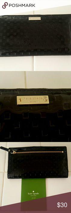 Kate Spade Bifold Wallet MAKE AN OFFER!  Good condition Kate Spade Wallet 100% Polyester kate spade Bags Wallets