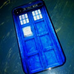 Doctor Who iPhone case. Love it! www.insomniacarts.com