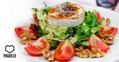 GASTRONÓMICAGENTE FRESCA Ensalada para Gente Gastronómica: queso de cabra a la placha, lechuga variada, nueces y tomate. Deliciosa!!!  Restaurante Pradillo, Gastronomicagente!!! #Pradillo #Zaharadelosatunes #Gastronomicagente