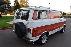 Dragon Wagon, Chevrolet Van, Cool Dragons, Air Conditioning System, Barn Finds, Automatic Transmission, Camper Van, Car Show, Recreational Vehicles