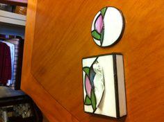 Pocket-size tissue box and round mirror