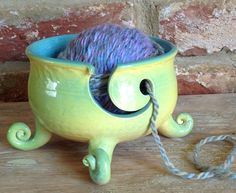 Earth Wool & Fire Yarn Bowl with cut out design. Glazes For Pottery, Glazed Pottery, Ceramic Pottery, Yarn Crafts, Clay Crafts, Arts And Crafts, Ceramics Projects, Clay Projects, Yarn Bowls Diy
