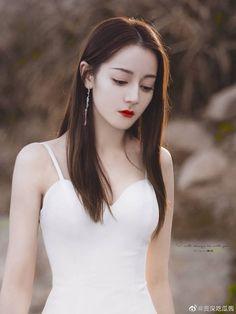 Beautiful Chinese Girl, Beautiful Girl Image, Women In China, Pretty Korean Girls, Hottest Female Celebrities, Korean Girl Fashion, Princess Aesthetic, White Girls, Asian Beauty