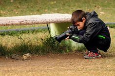 International wildlife photography competition youngest winner 9-year-old Carlos Perez Naval, a Spaniard got thrive for 2014 the international photographer of the year for his pretty gruesome snapshot of a scorpion.Since 1964 in London, the National History Museum has been conducting the young photography competition. The contest has a division for photography competition for 16 years …
