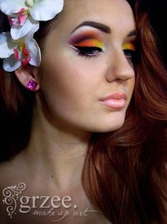 Bright colored makeup... LOVE!