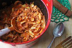 Linssinööri: Mausteinen soija-kaalipata Pesto Chicken, Mac And Cheese, Japchae, Paella, Vegan Recipes, Beef, Ethnic Recipes, Food, Drinks
