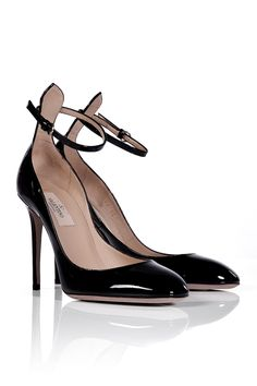 Valentino - Ankle Strap Round Toe Pumps, in black patent, €519