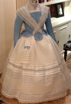 enagua Marina Victorian Fashion, Vintage Fashion, Hoop Skirt, Historical Women, Lace Outfit, Christening Gowns, Heirloom Sewing, White Embroidery, Marie Antoinette