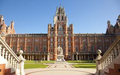 Royal Holloway appoints Splendid Unlimited to transform university's online presence Online Education Programs, Importance Of Time Management, Online College Degrees, College Courses, Training Courses, Online Courses, Travel, Dark Fantasy, Silver Anniversary