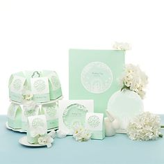 Wonderland Wedding Collection Set (50 Invitations,10 Place Cards,50 Favor Boxes,1 Guest Book)
