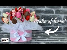 MANUALIDADES YONAIMY - YouTube Bouquet Box, Gift Bouquet, Candy Bouquet, Valentine Chocolate, Valentine Treats, Valentines, Chocolate Covered Strawberries, Chocolate Dipped, Chocolate Art