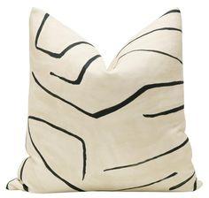 Graffito // Linen + Onyx – Little Design Co. Neutral Pillows, Black Pillows, Modern Pillows, Accent Pillows, Boho Throw Pillows, Linen Pillows, Custom Pillows, Cushions, Nate Berkus